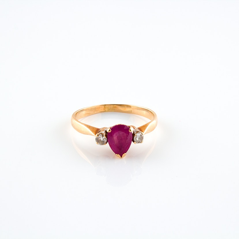 14K Yellow Gold Vintage Diamond and Ruby Ring