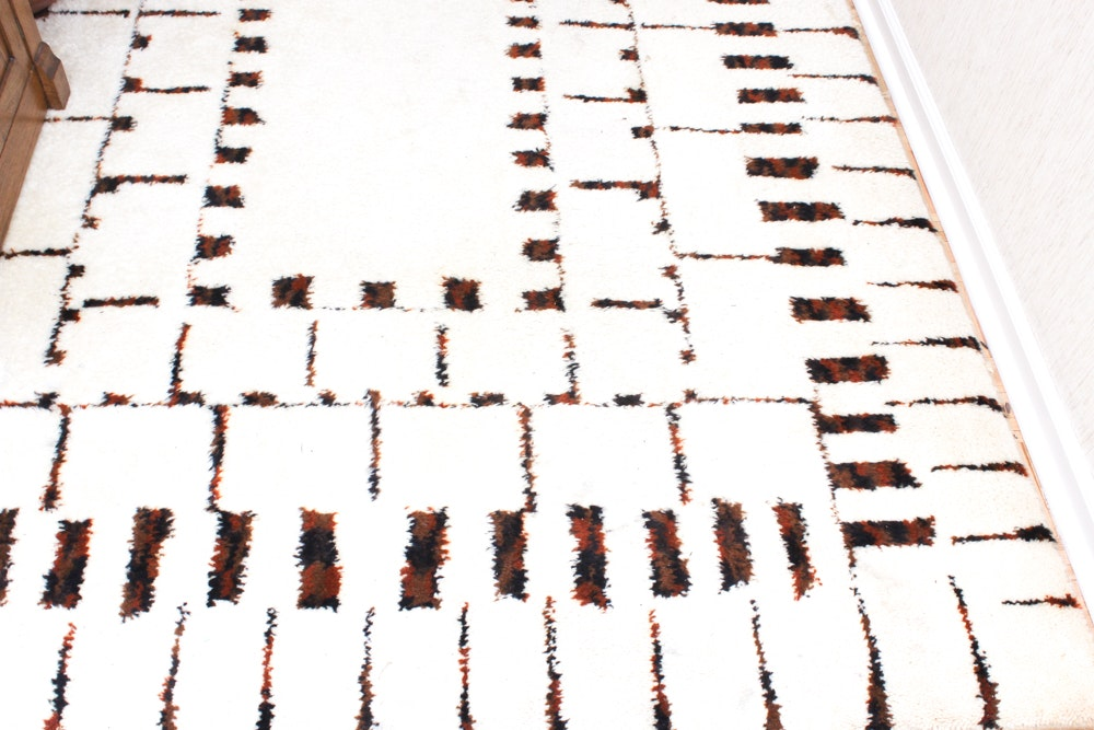 Contemporary Power Loomed Wool Rug