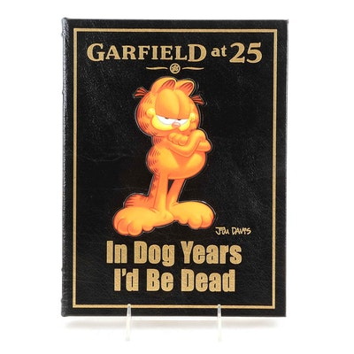 Signed Jim Davis Garfield Coffee Table Book