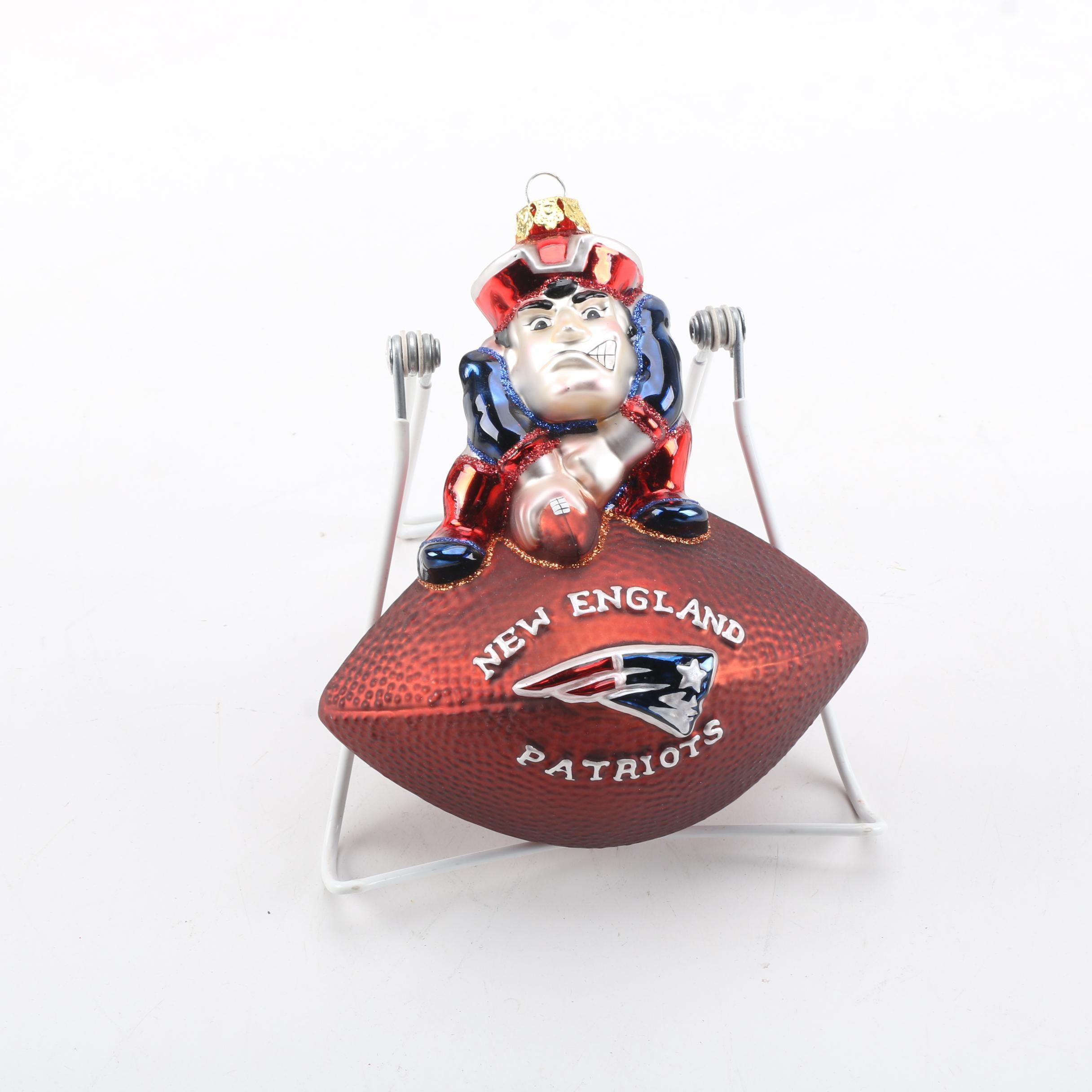 "NFL ""New England Patriots"" Glass Christmas Ornament"