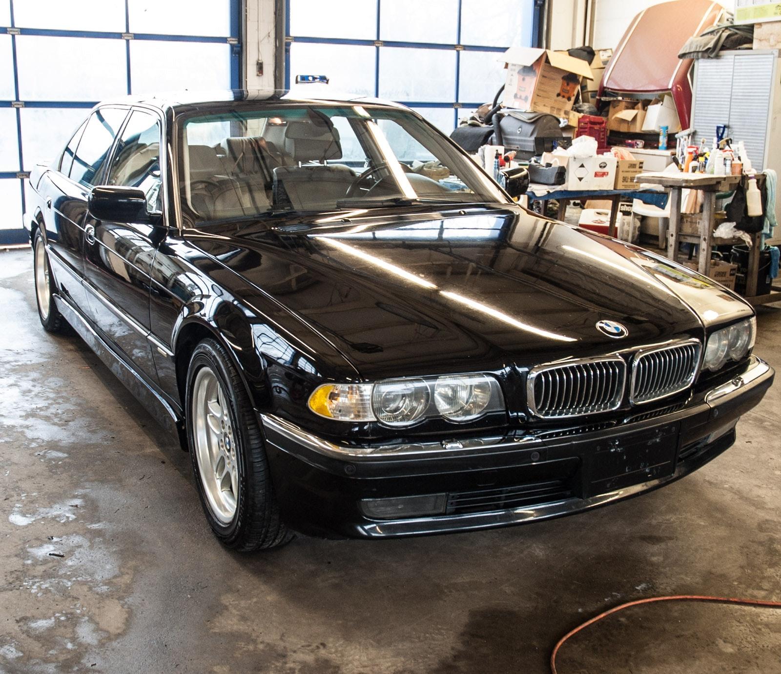 2000 BMW 750IL V12 Sedan