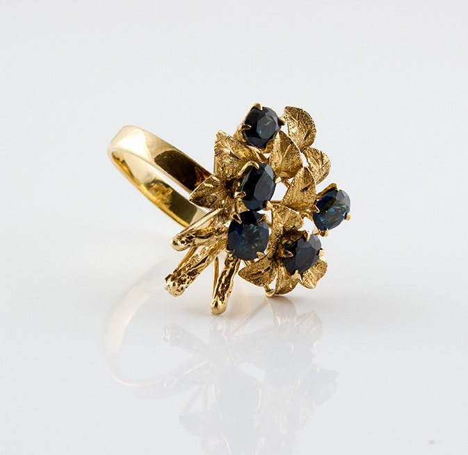 14K Yellow Gold and Sapphire Grape Vine Ring