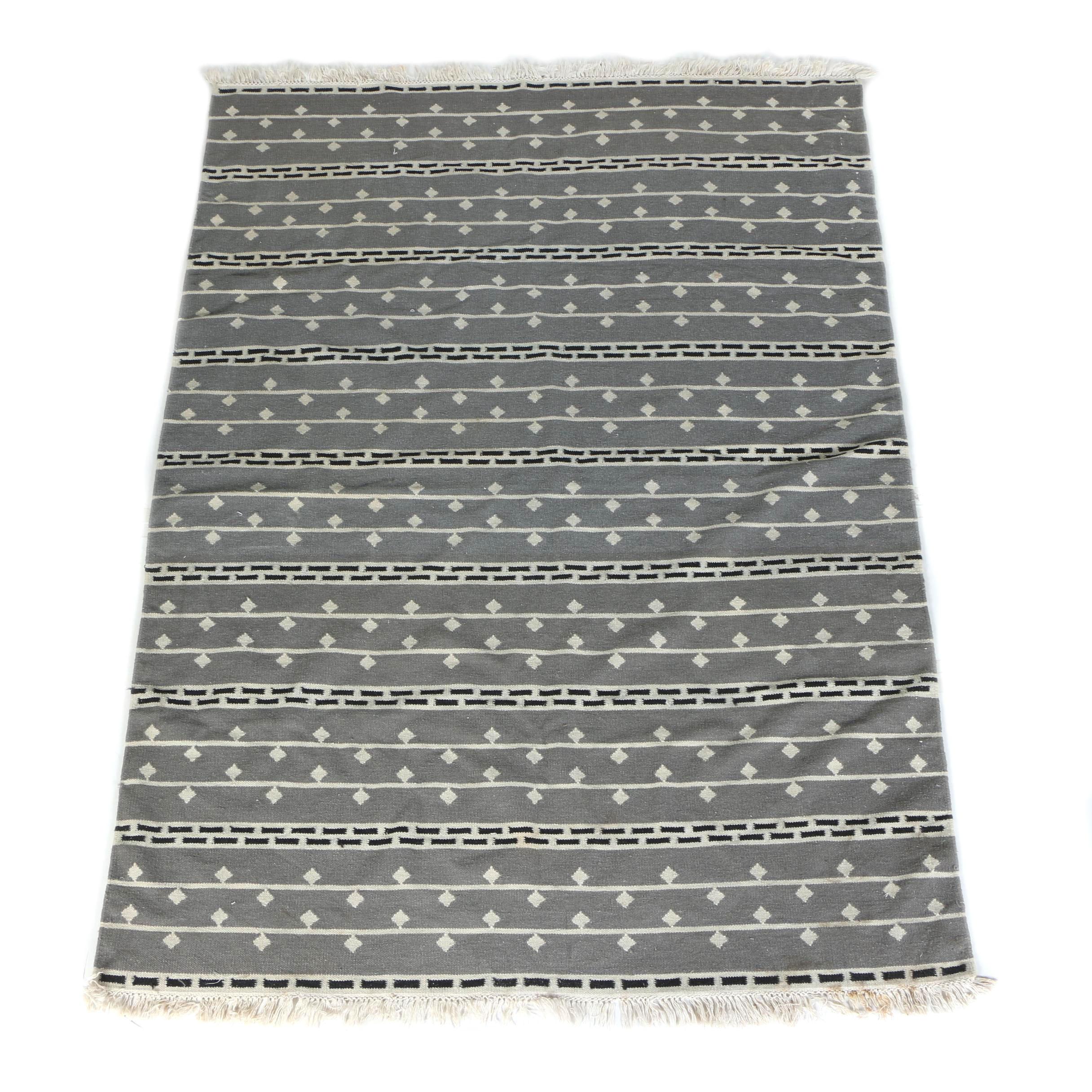Knit Geometrical Blanket