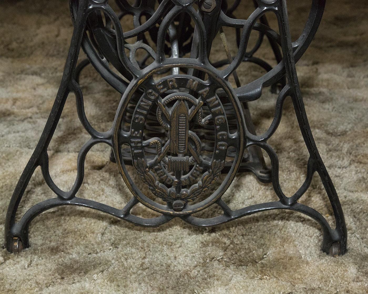 Antique Singer Treadle Sewing Machine Cabinet Ebth