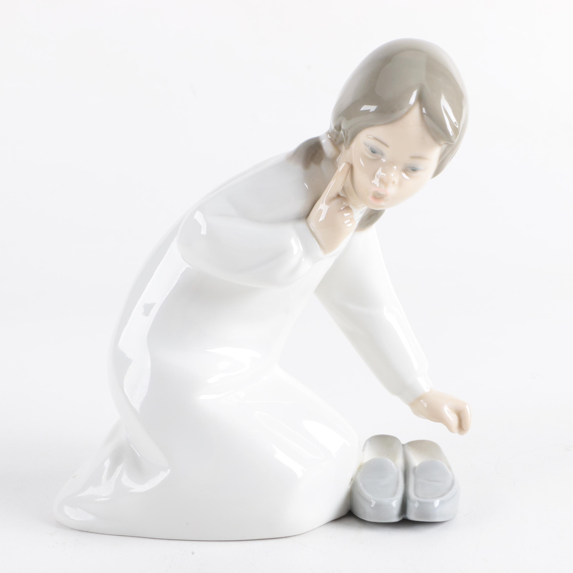 "Lladro Porcelain Figurine ""Girl with Slippers"""