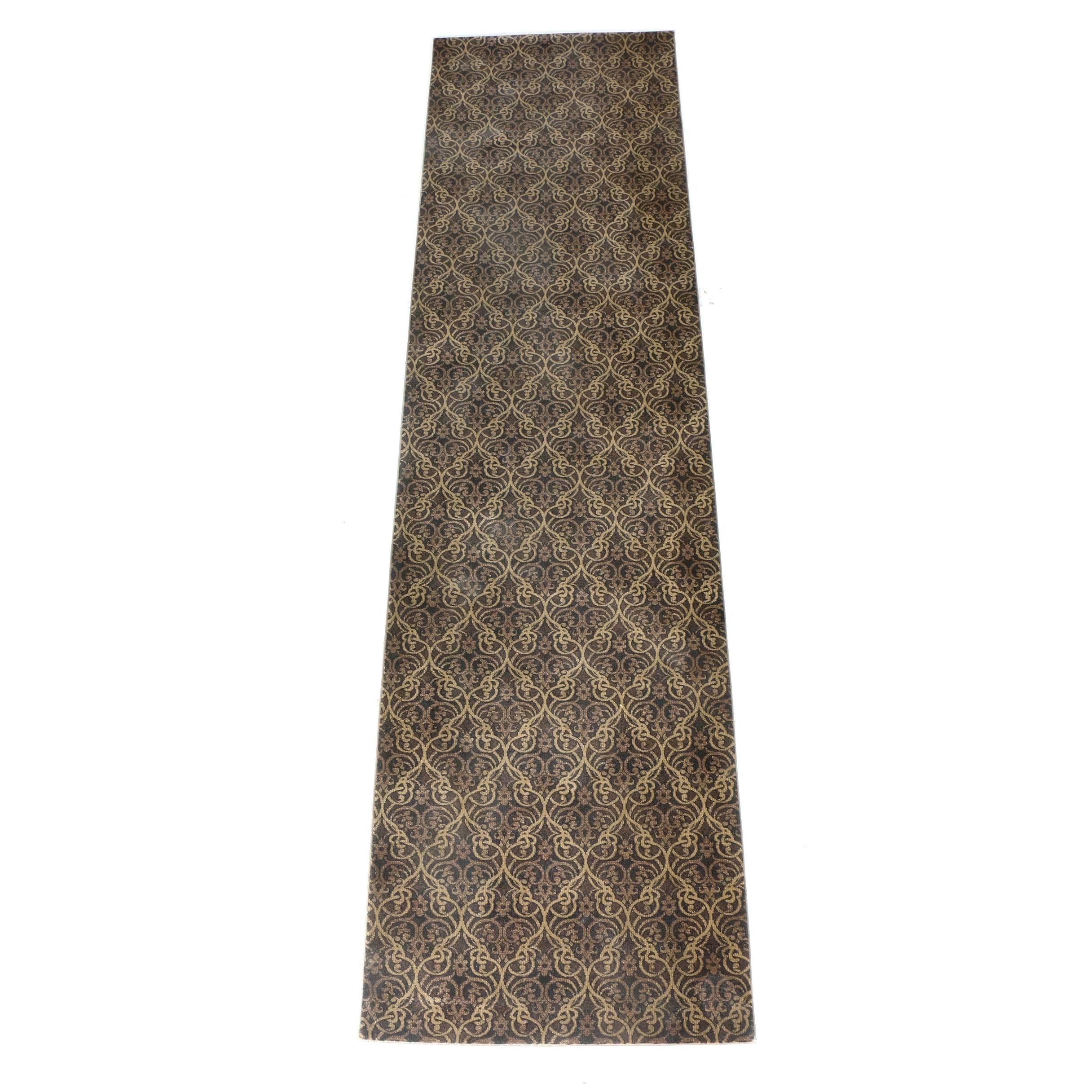 Power-Loomed Contemporary Wool Carpet Runner