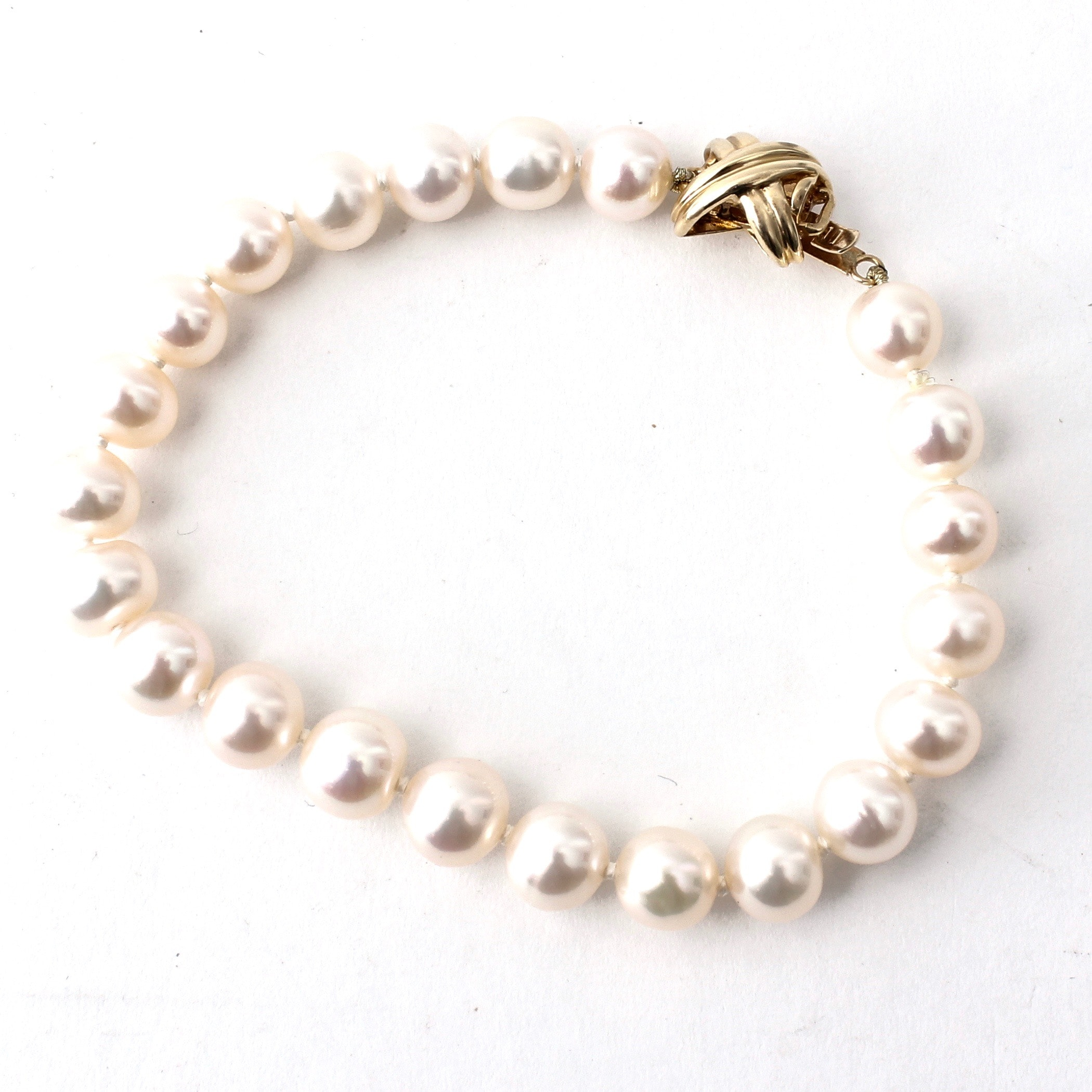Cultured Freshwater Pearl Bracelet with Ornate 14K Gold Clasp