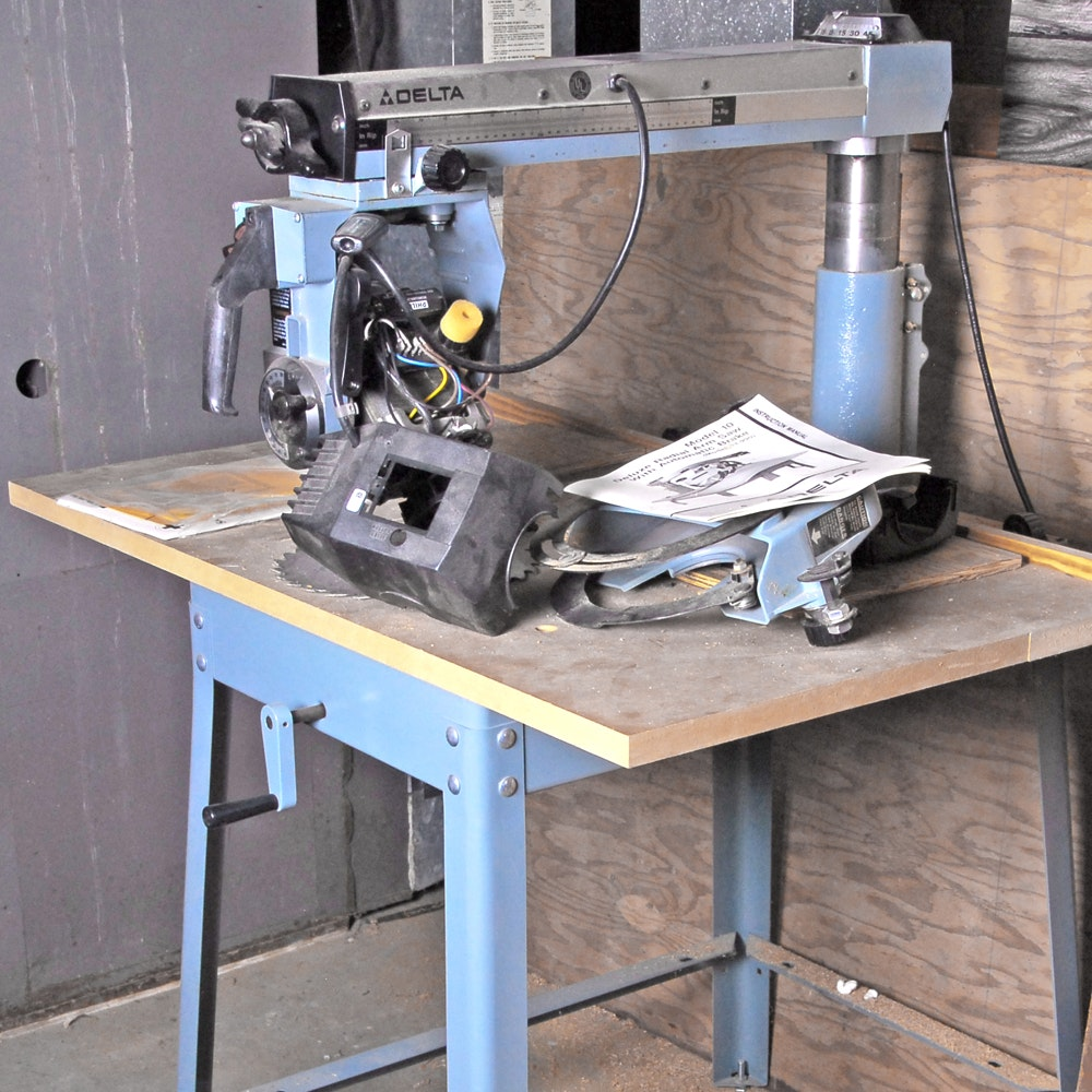 Delta Model 10 Deluxe Radial Arm Saw with Table