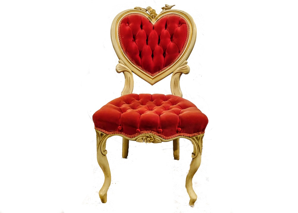 Attirant Victorian Style Tufted Heart Chair ...