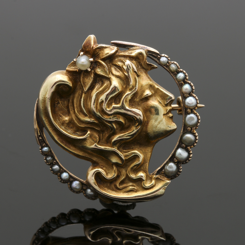 10K Yellow Gold Pearl Figural Profile Pendant