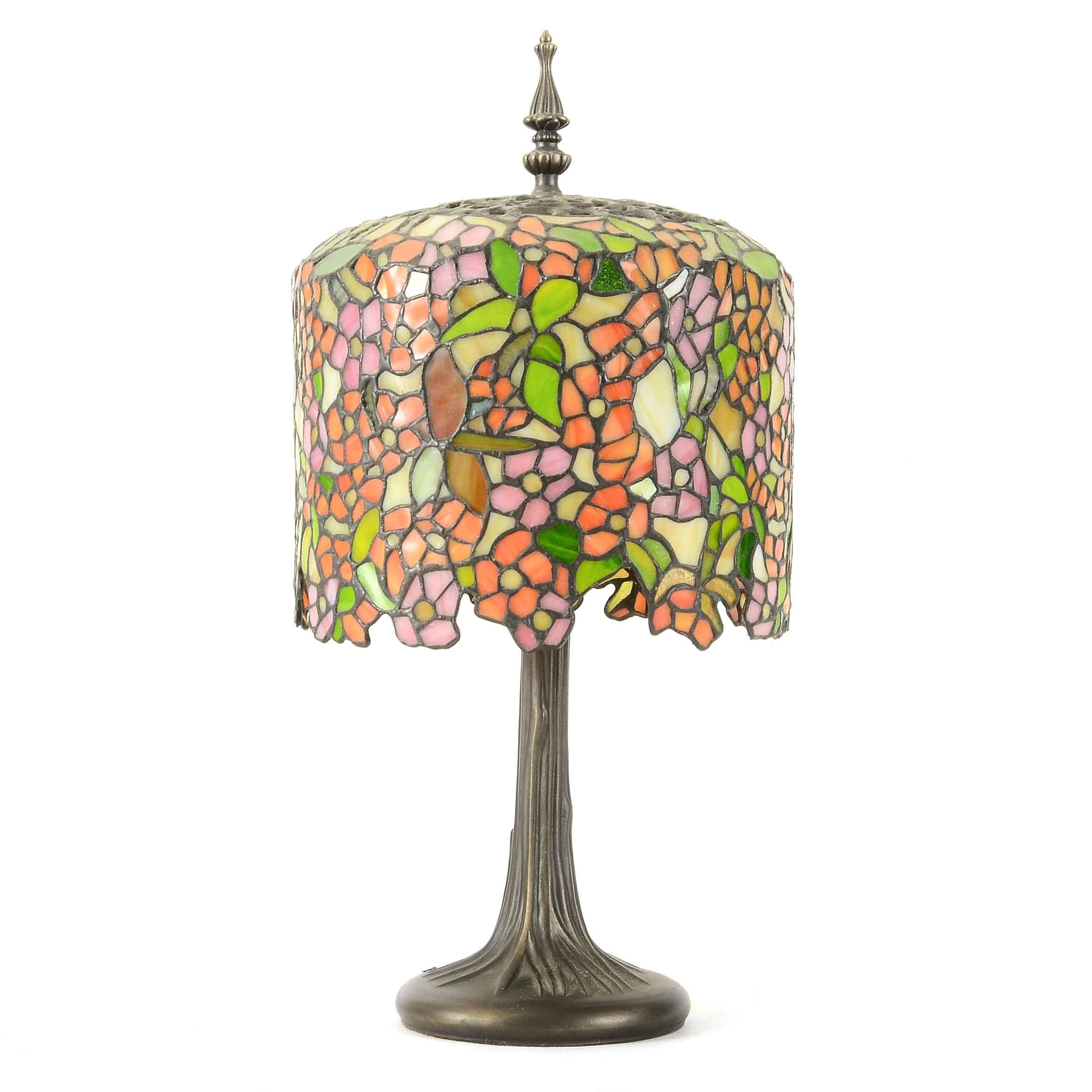 Wisteria Design Stained Glass Table Lamp