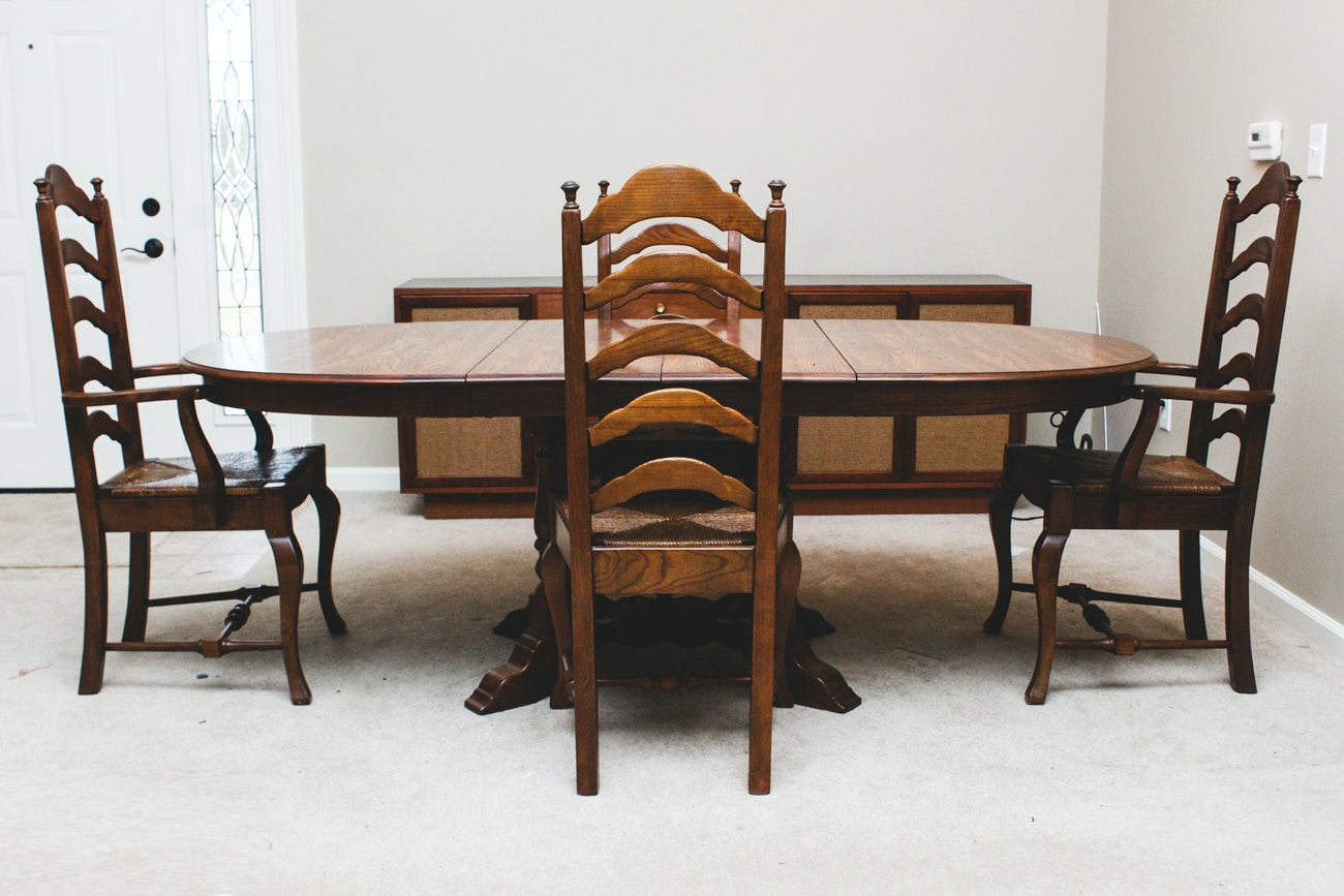 Early American Dining Room Furniture: Early American Style Oak Dining Table And Chairs : EBTH