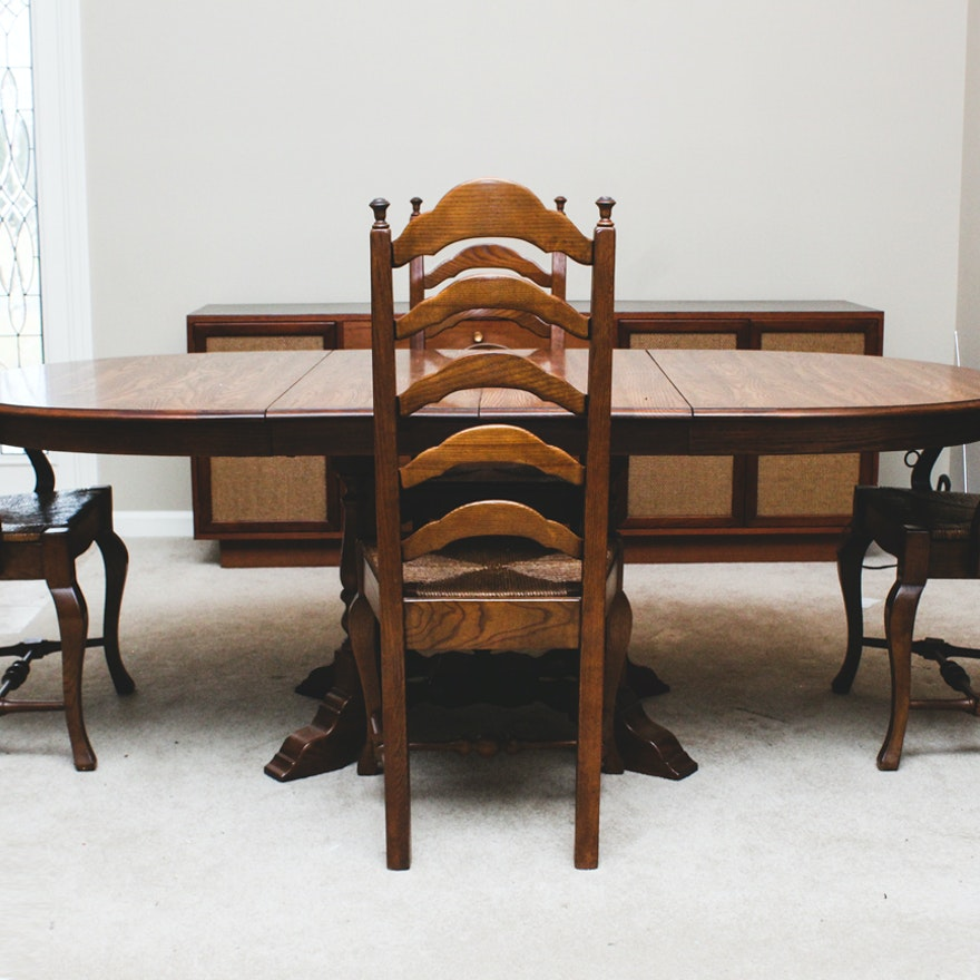Early American Style Oak Dining Table And Chairs : EBTH