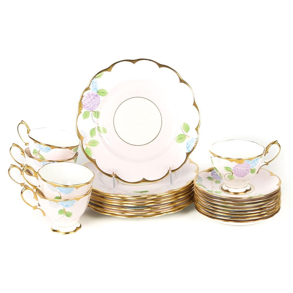 Royal Albert \ Hydrangea\  Bone China Dinnerware ...  sc 1 st  EBTH.com & Royal Albert \