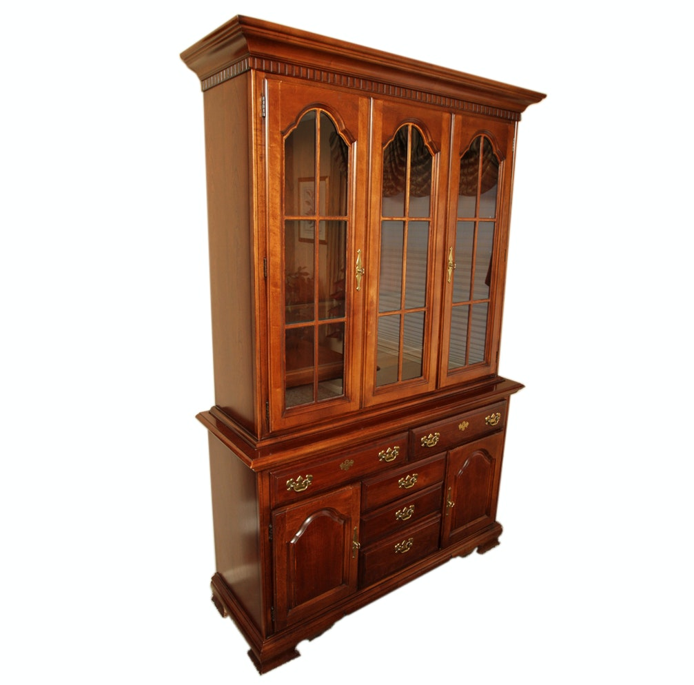 Merveilleux Federal Style Mahogany Two Piece China Cabinet From Dixie ...