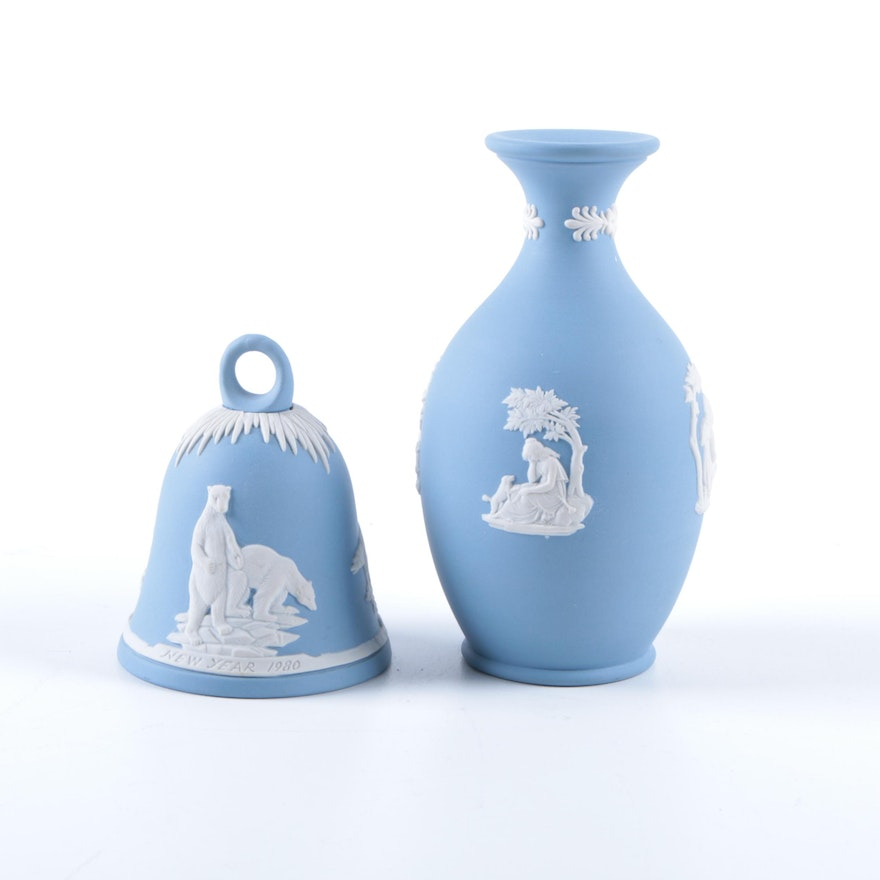 Wedgwood Jasperware Vase And New Year 1980 Bell Ebth