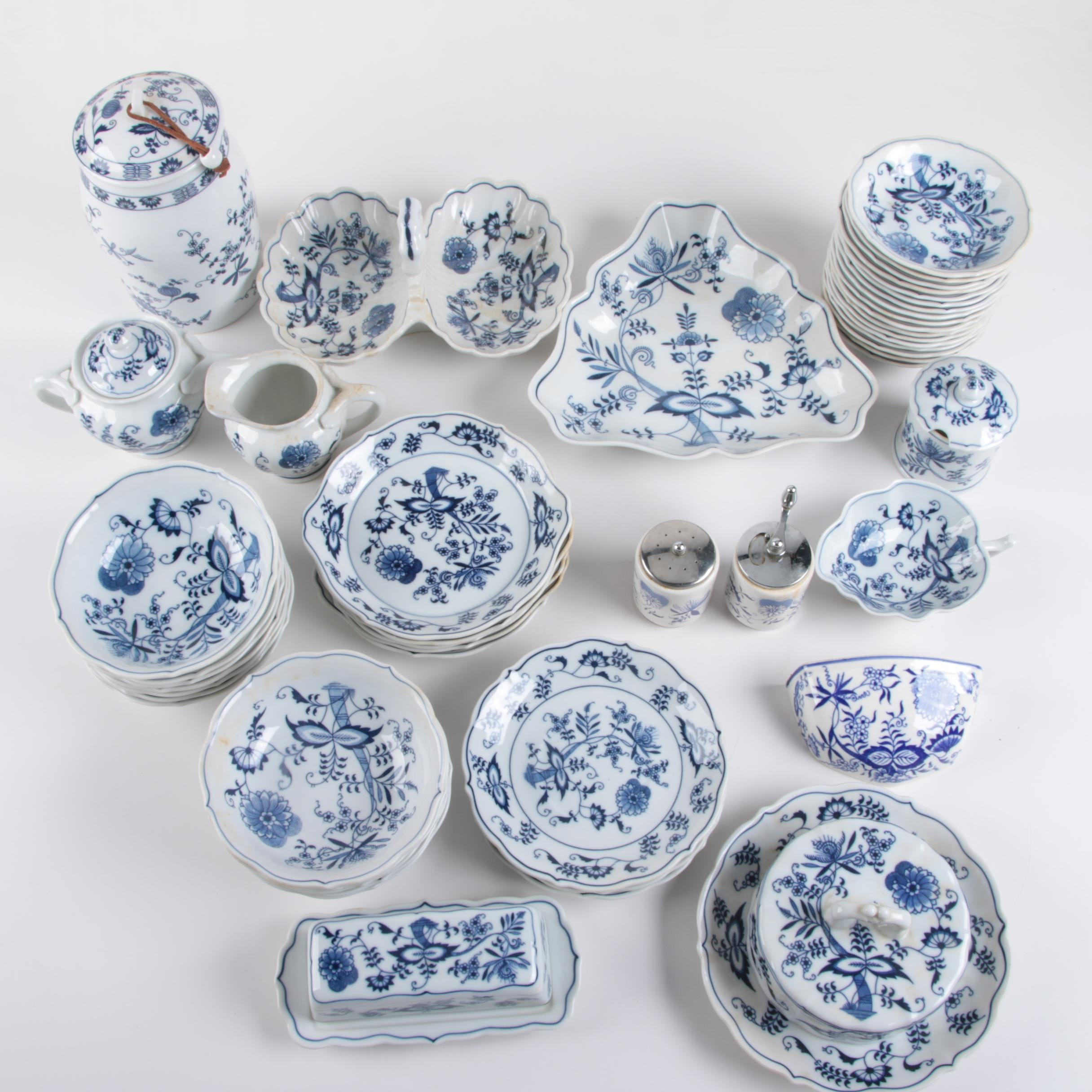 Blue Danube  and  Blue Onion  Porcelain Tableware ...  sc 1 st  EBTH.com & Blue Danube