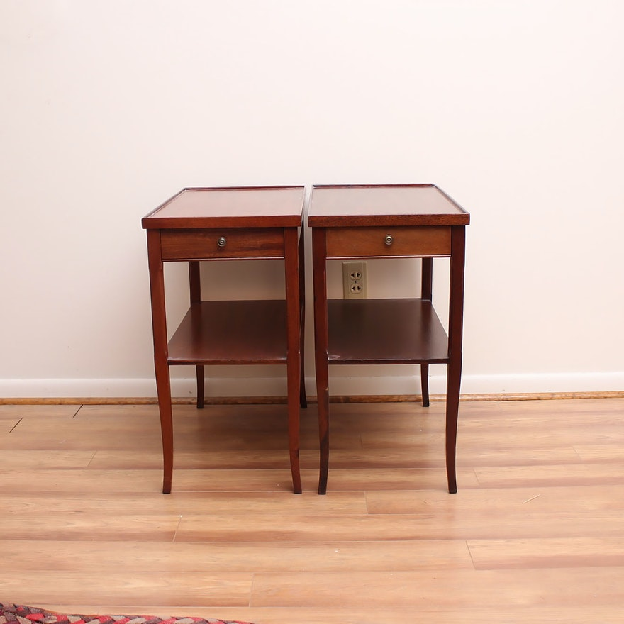 Pair Of Vintage End Tables By Grand Rapids Furniture Company Ebth
