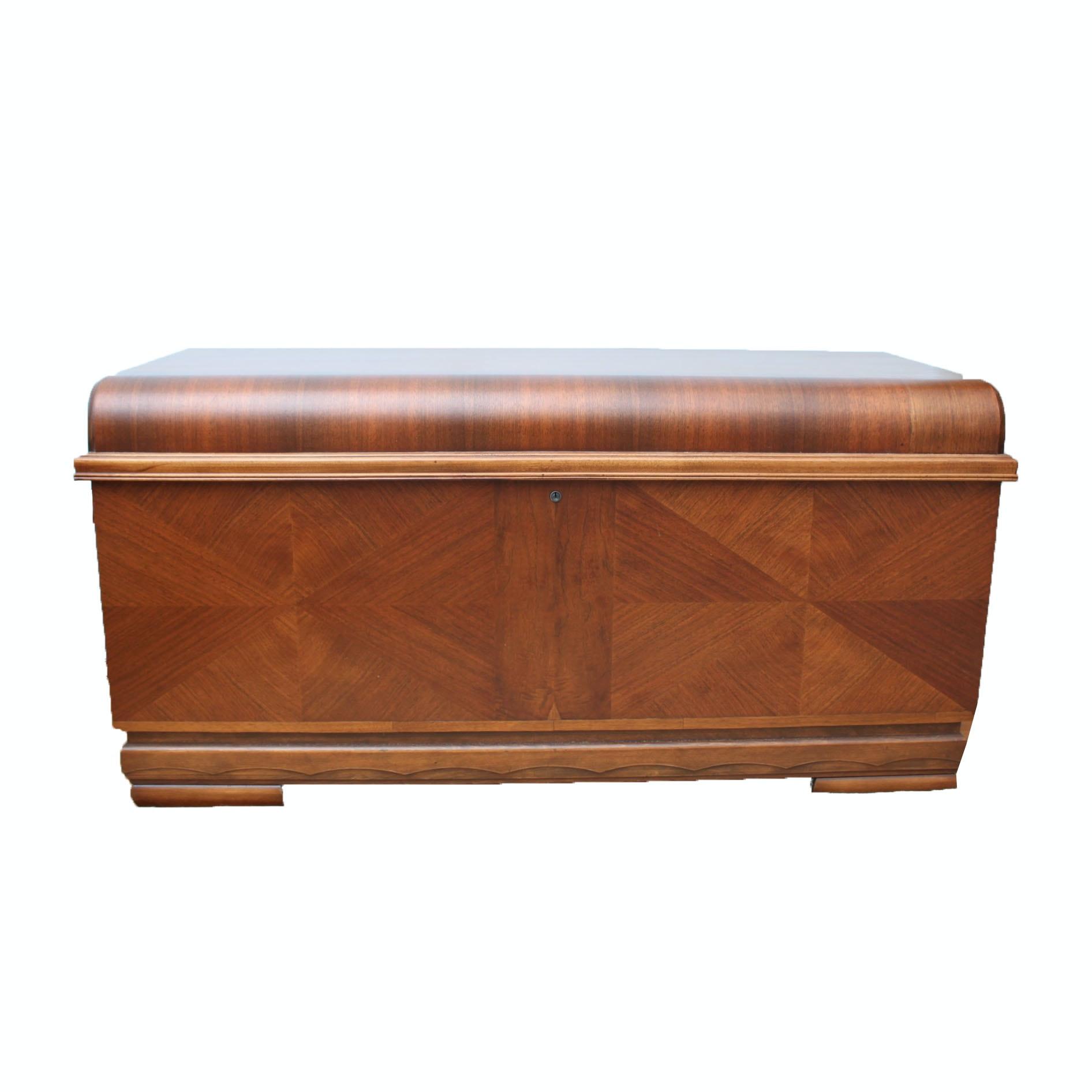 Vintage Mahogany Veneered and Cedar Lined Chest