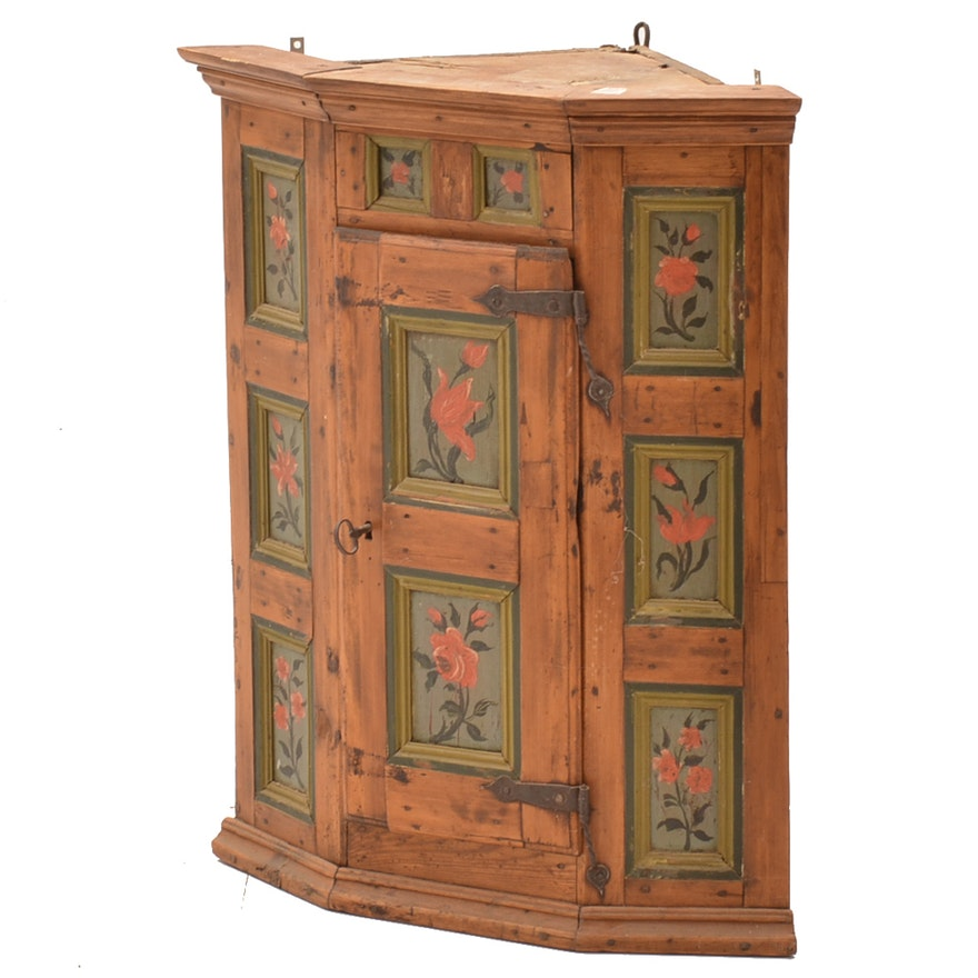 Antique Hand-Painted Pine Corner Cabinet ... - Antique Hand-Painted Pine Corner Cabinet : EBTH