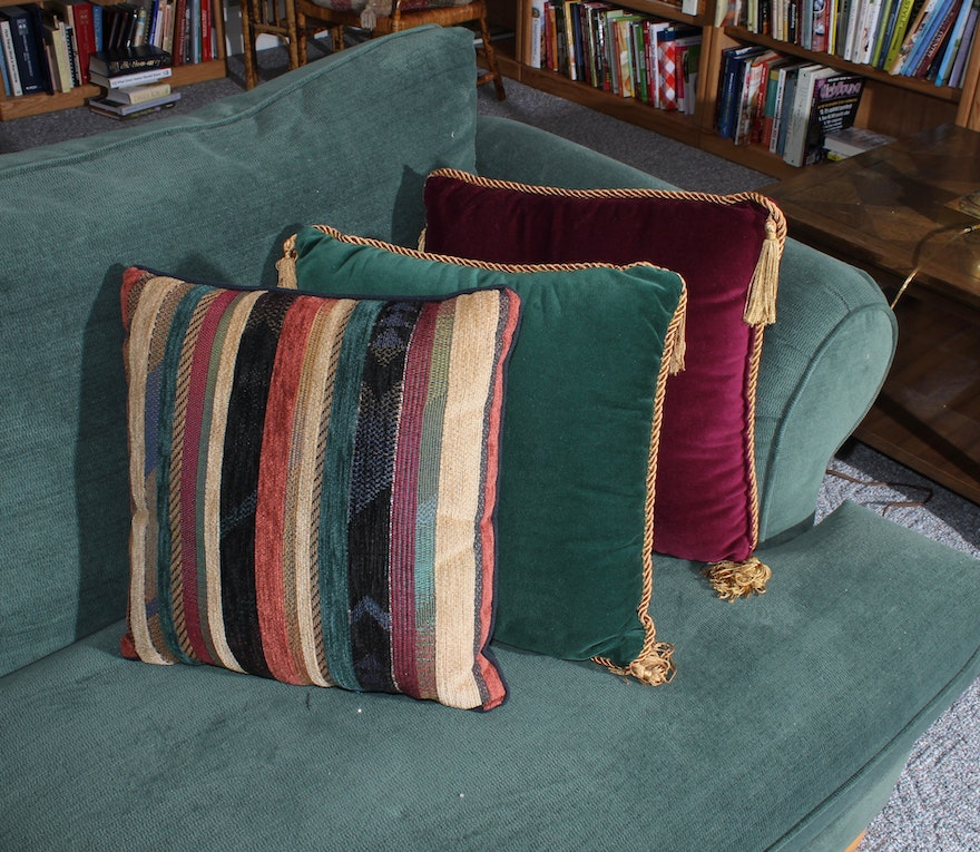Green Upholstered Sleeper Sofa With Throw Pillows : EBTH