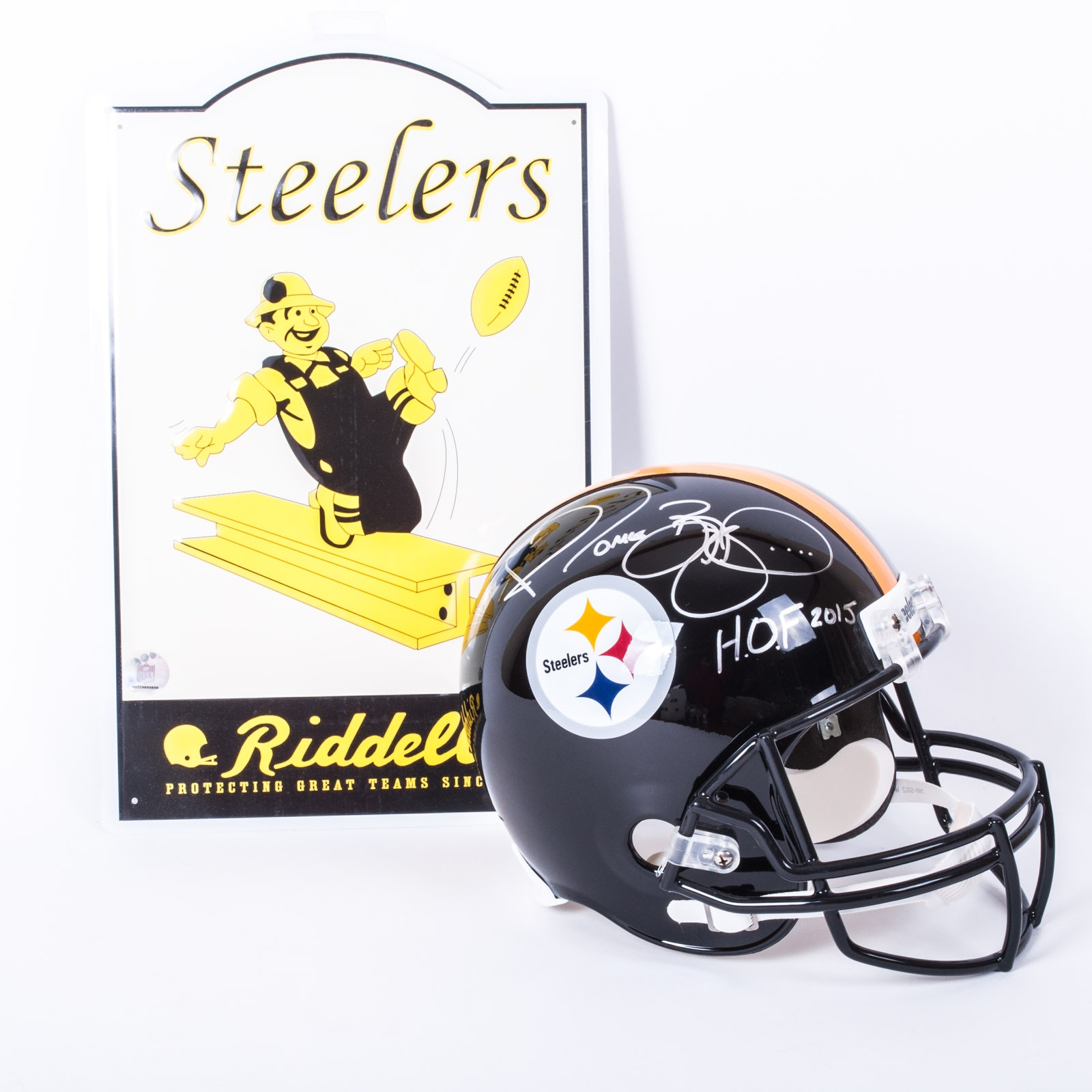 Jerome Bettis Autographed Helmet with Photo and Novelty Sign