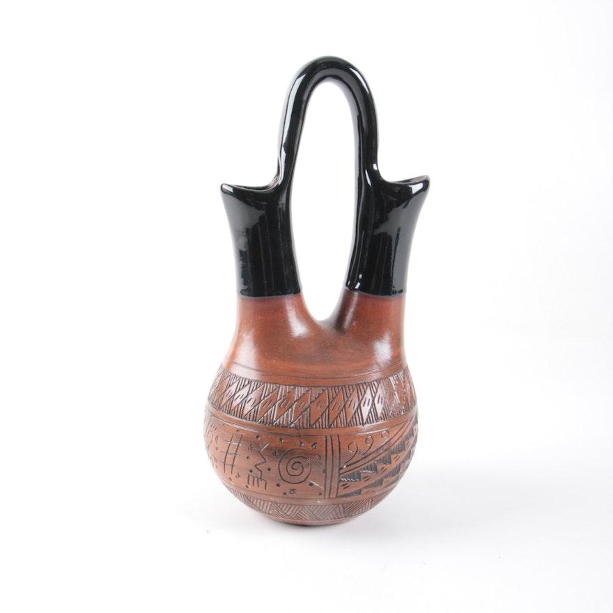 Signed Maxine Clark Native American Navajo Wedding Vase Ebth