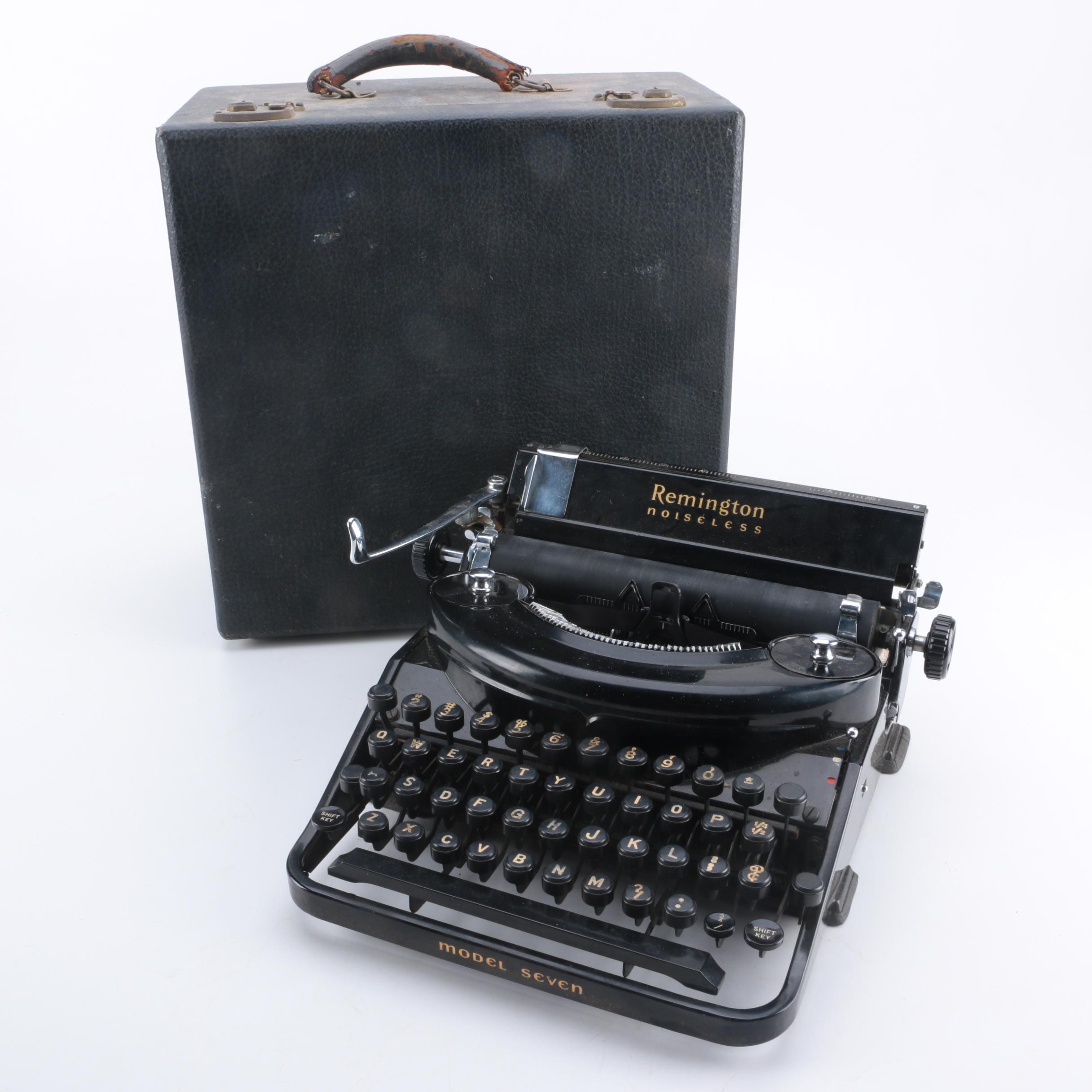 Vintage Remington Noseless Model Seven Typewriter