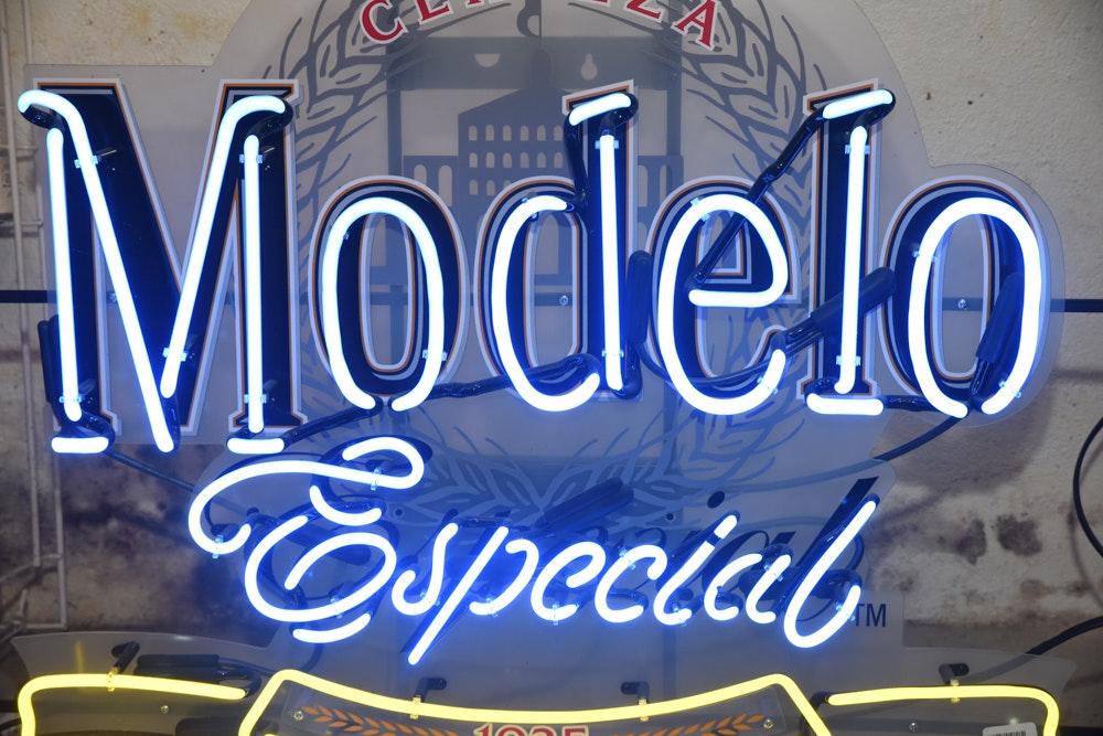 Cerveza Modelo Especial Neon Sign | EBTH