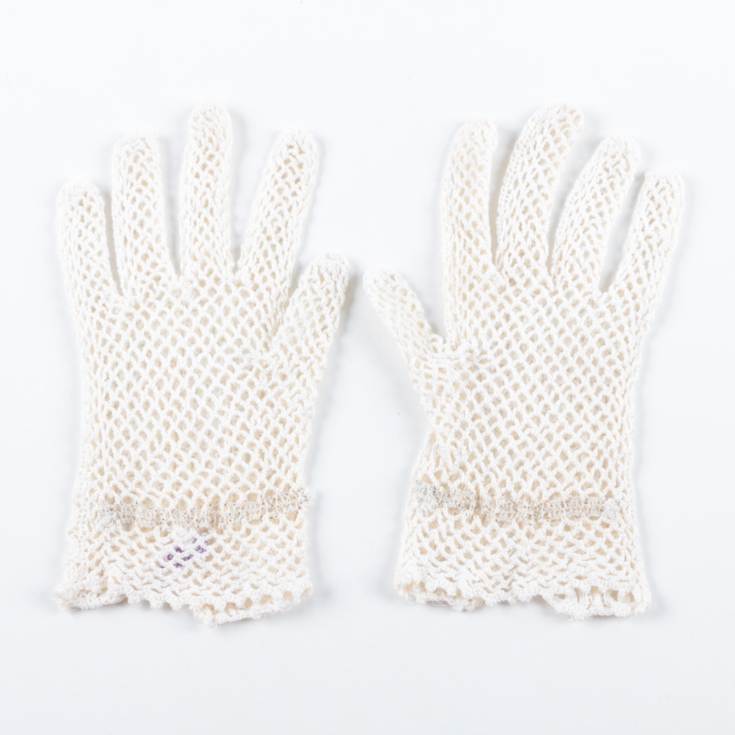 Women's Vintage White Crocheted Gloves