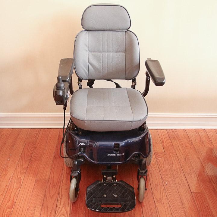 Invacare Pronto M6 Power Wheelchair
