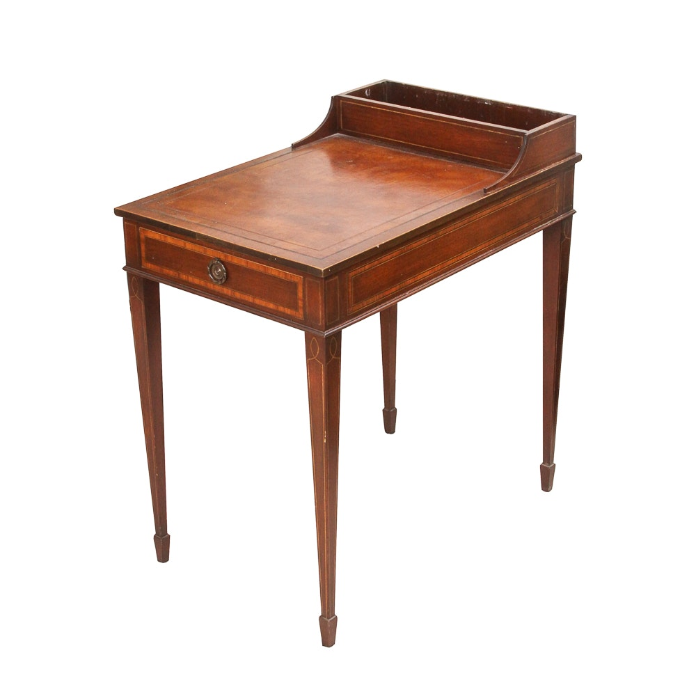 Vintage Hepplewhite Inlaid End Table