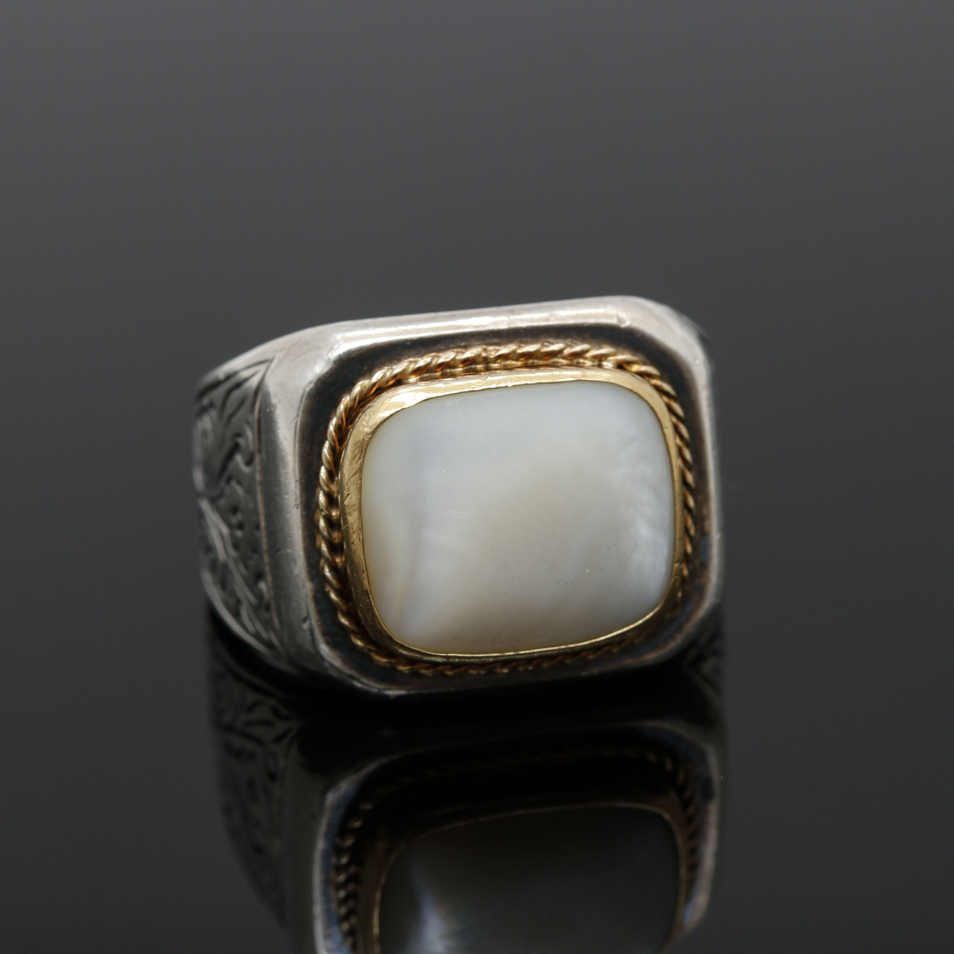 Sterling Silver Shell Ring With 22K Yellow Gold Accents