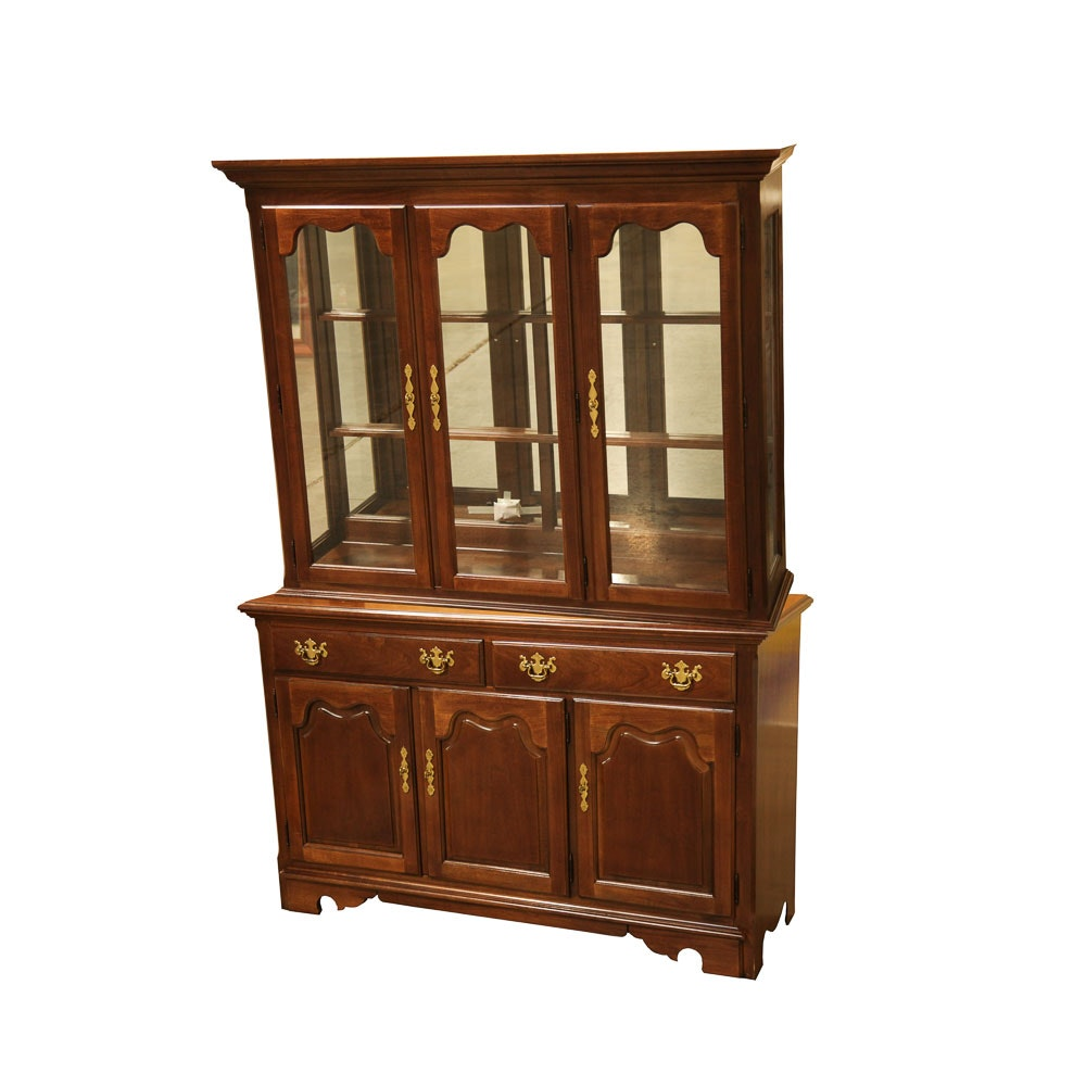 Queen Anne Style Lighted China Cabinet By Thomasville ...