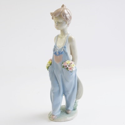 """Lladró """"Pocket Full of Wishes"""" Porcelain Figurine"""