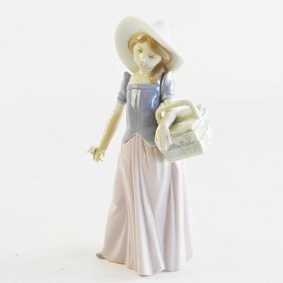 """Lladró """"Tailor Made"""" Porcelain Figurine"""