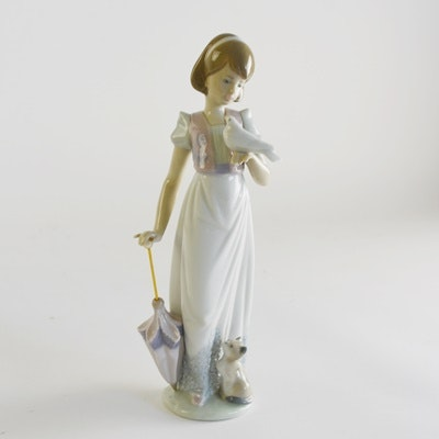 "Lladró ""Summer Stroll"" Porcelain Figurine"