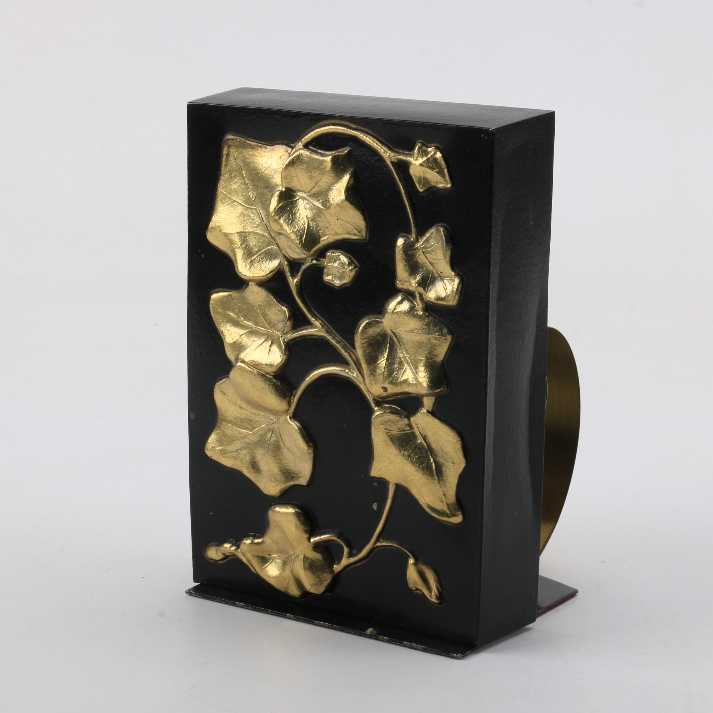 English Ivy Themed Scroll Bookend by Philadelphia Manufacturing Co.