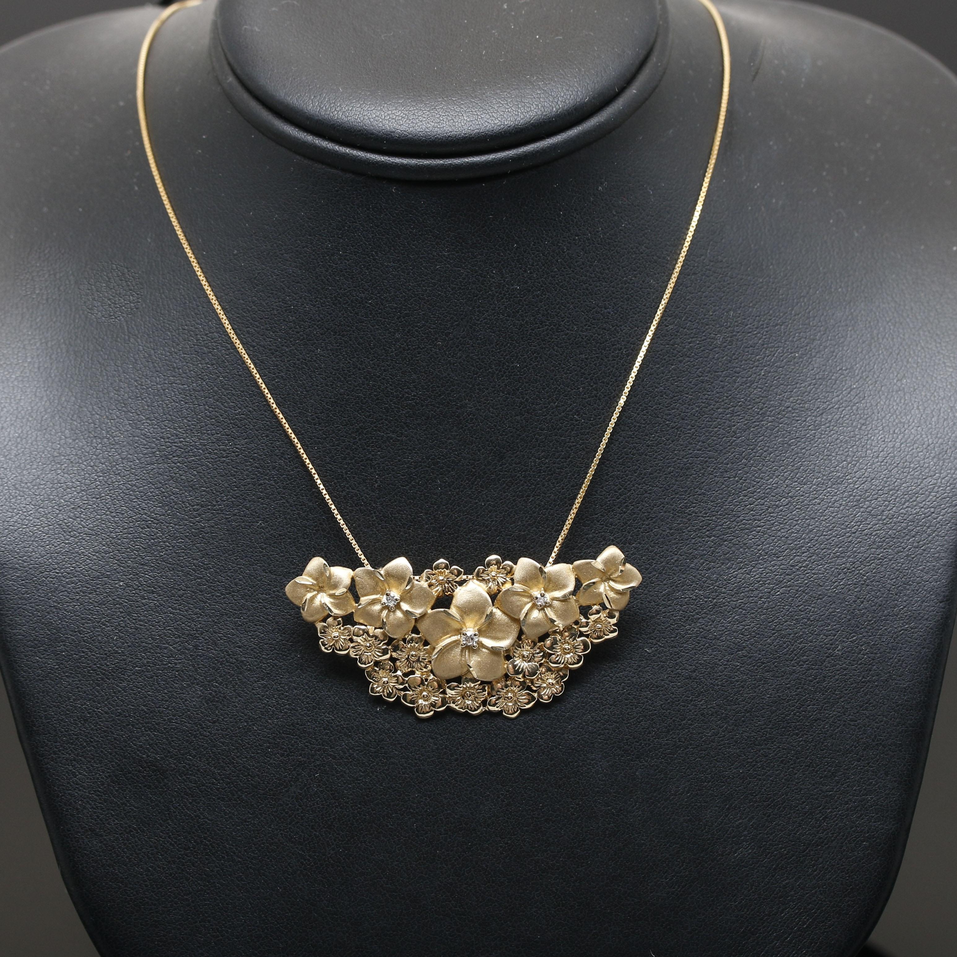 14K Yellow Gold Diamond Flower Pendant Necklace