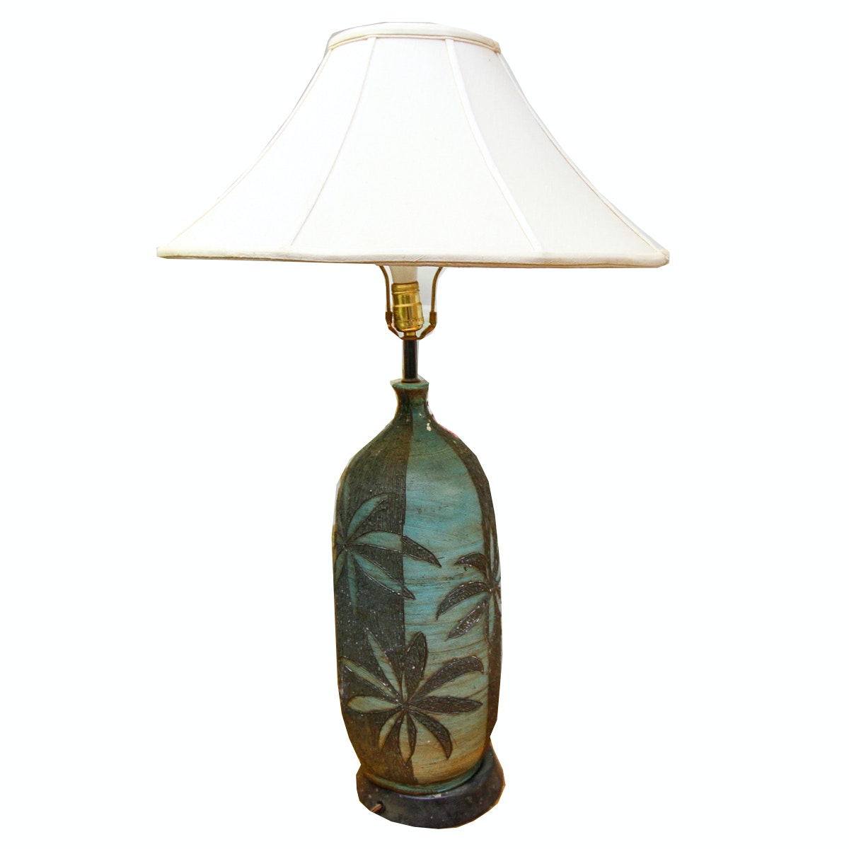 Vintage Leaf Designed Table Lamp