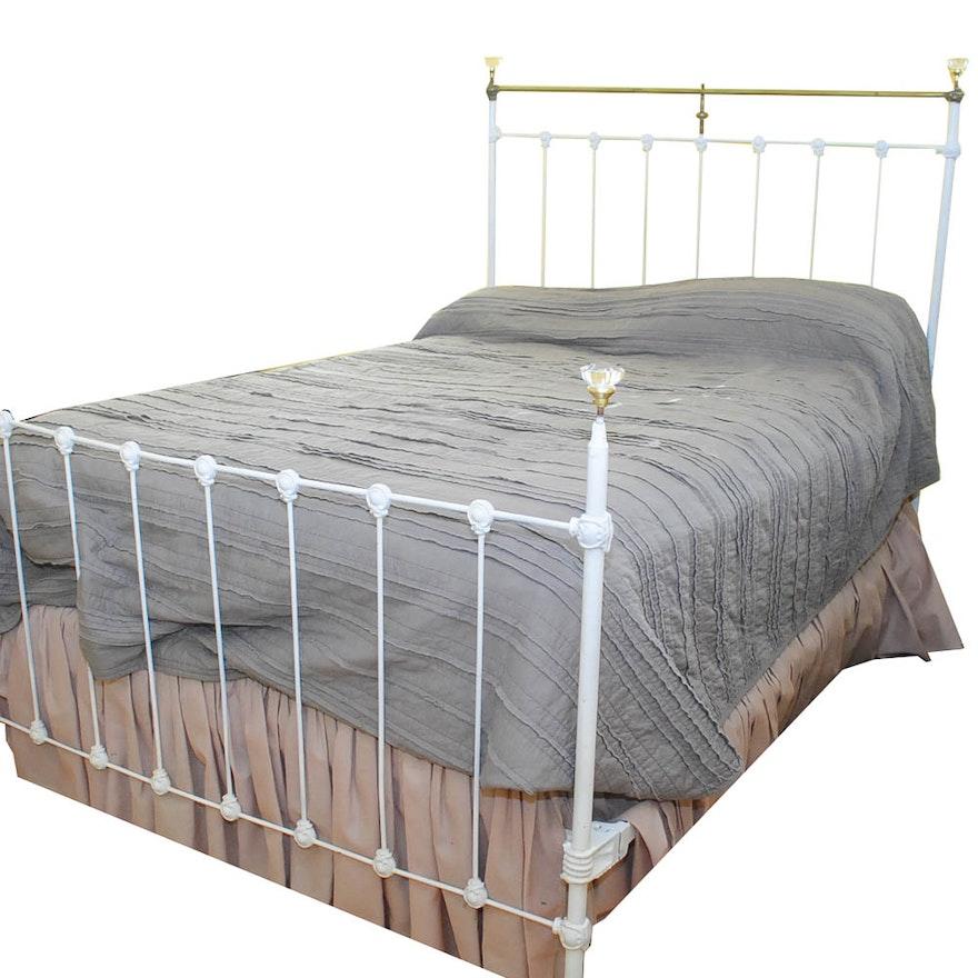 b5260d207af Antique Full-Size Cast Iron Bed