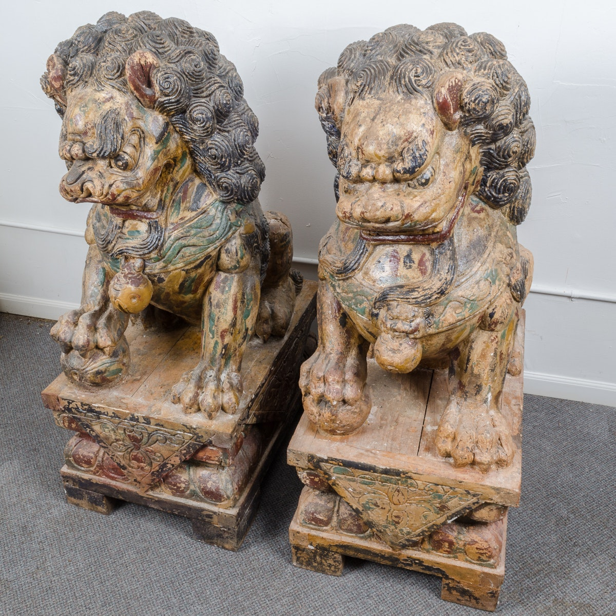 Plaster Chinese Guardian Lion Sculptures