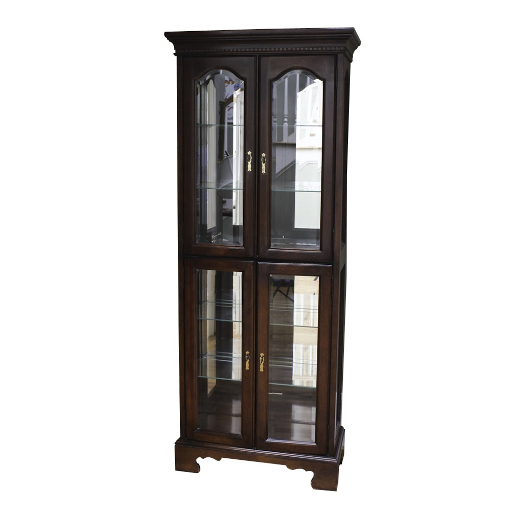 Traditional Style Display Cabinet
