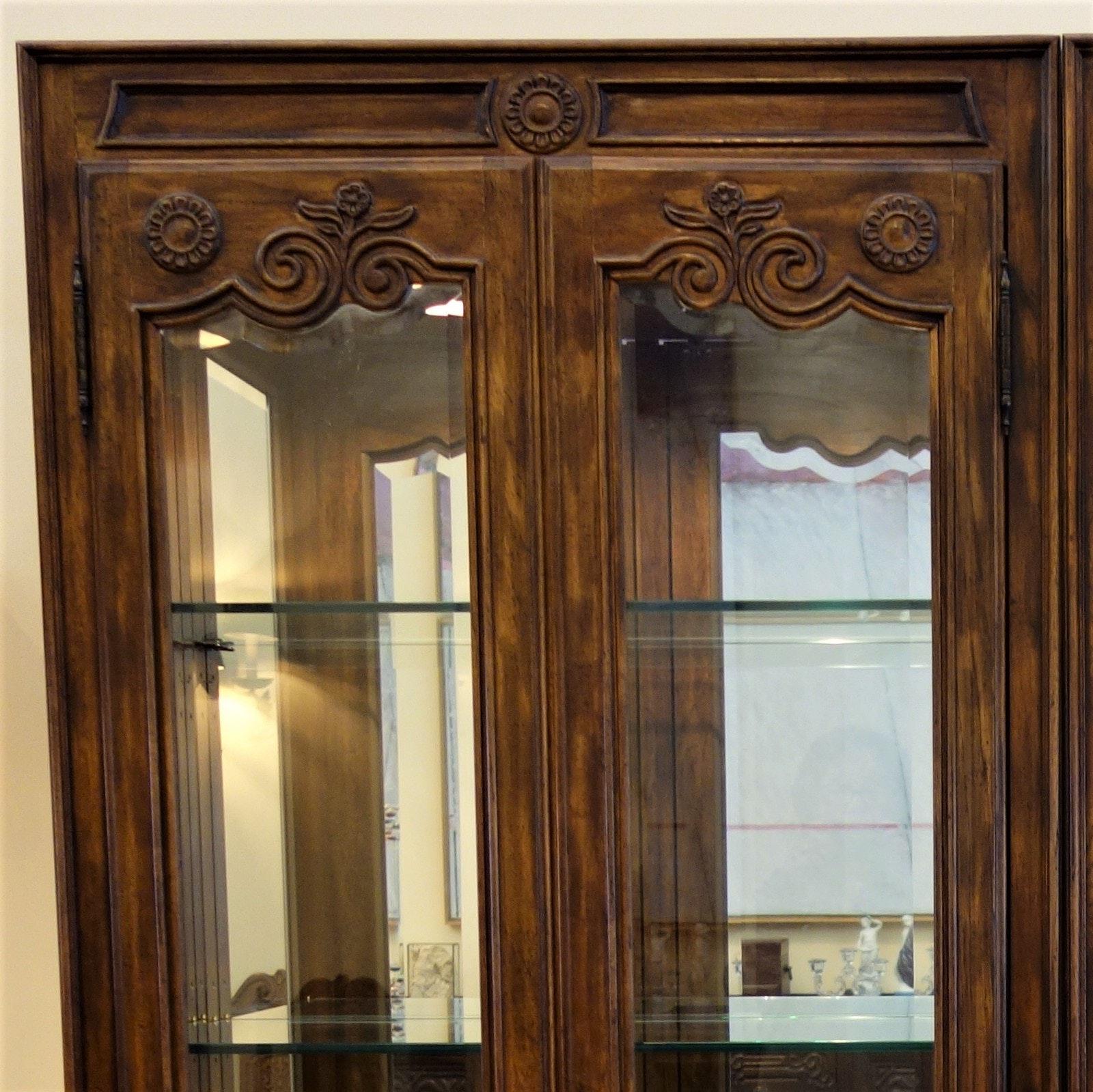 Drexel- Heritage Lighted Curio Cabinet