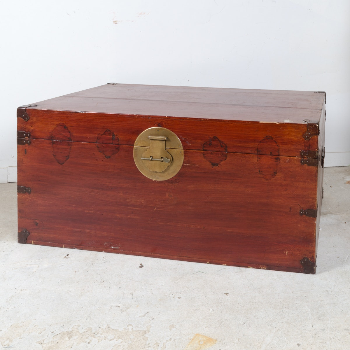 Chinese Style Wooden Trunk