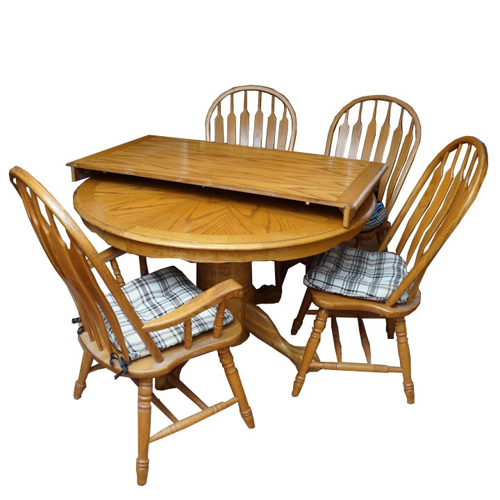 Vintage Farmhouse Style Oak Table with Chairs by Intercon