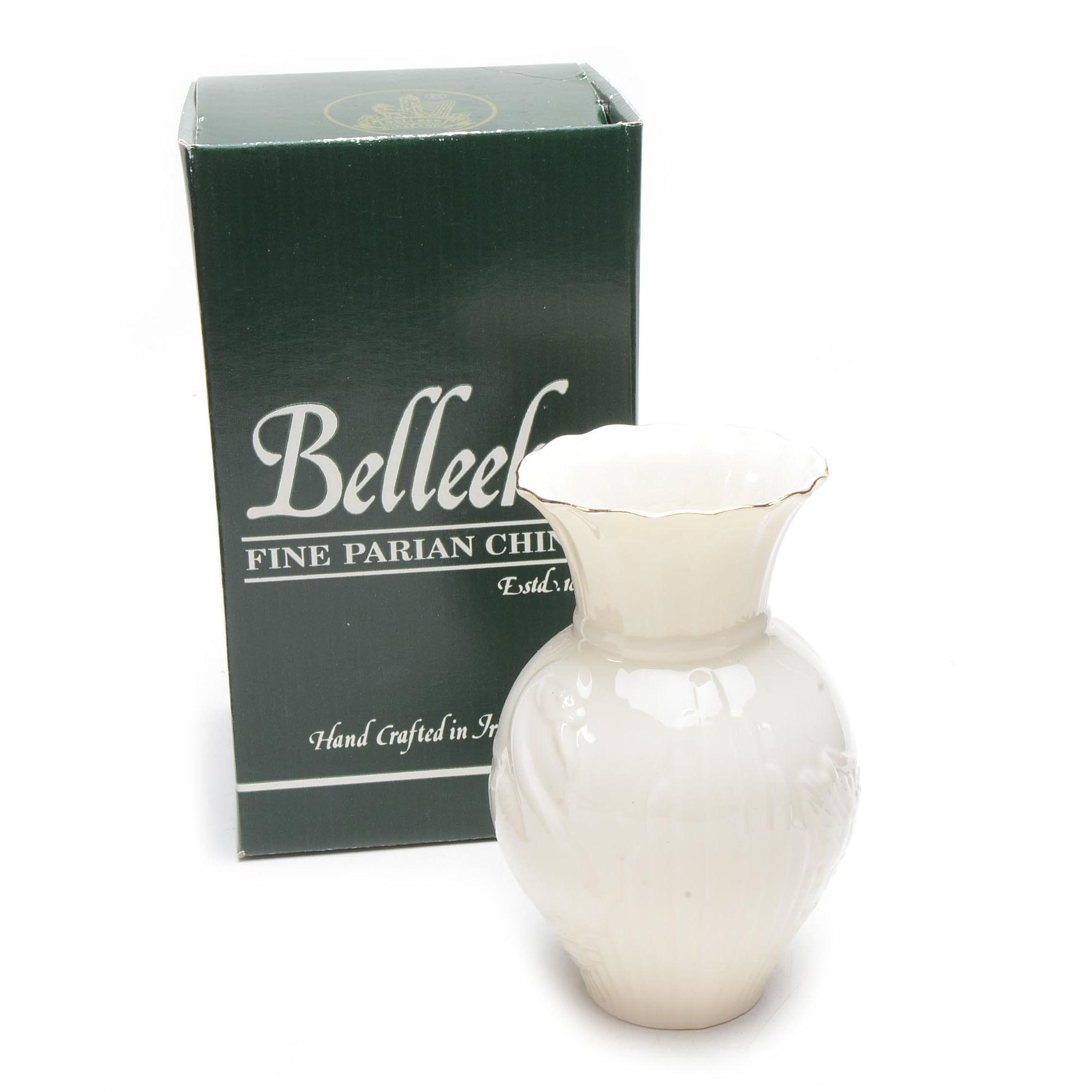 Belleek Collectors Society Swan Vase