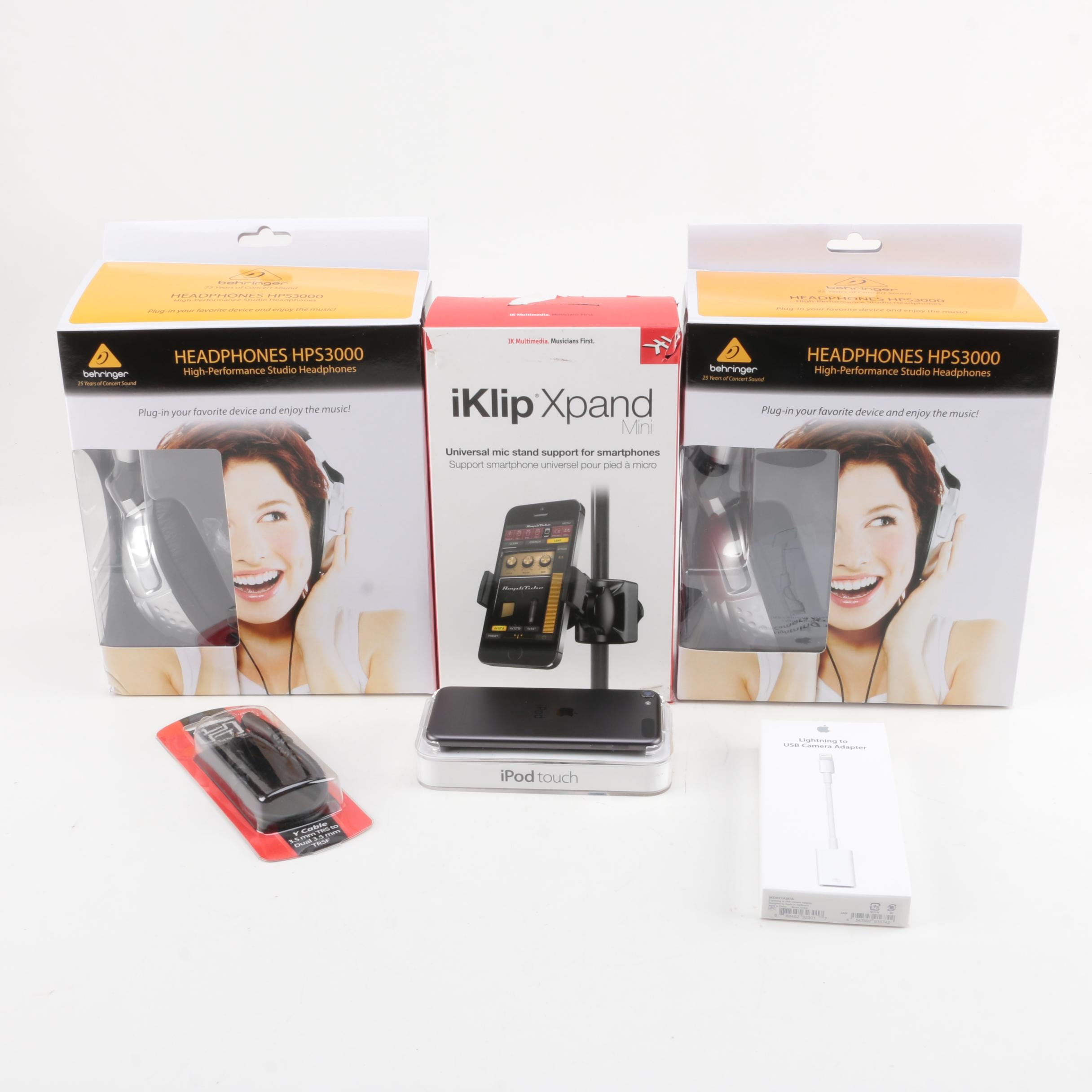 IPod Touch and Packaged Accessories