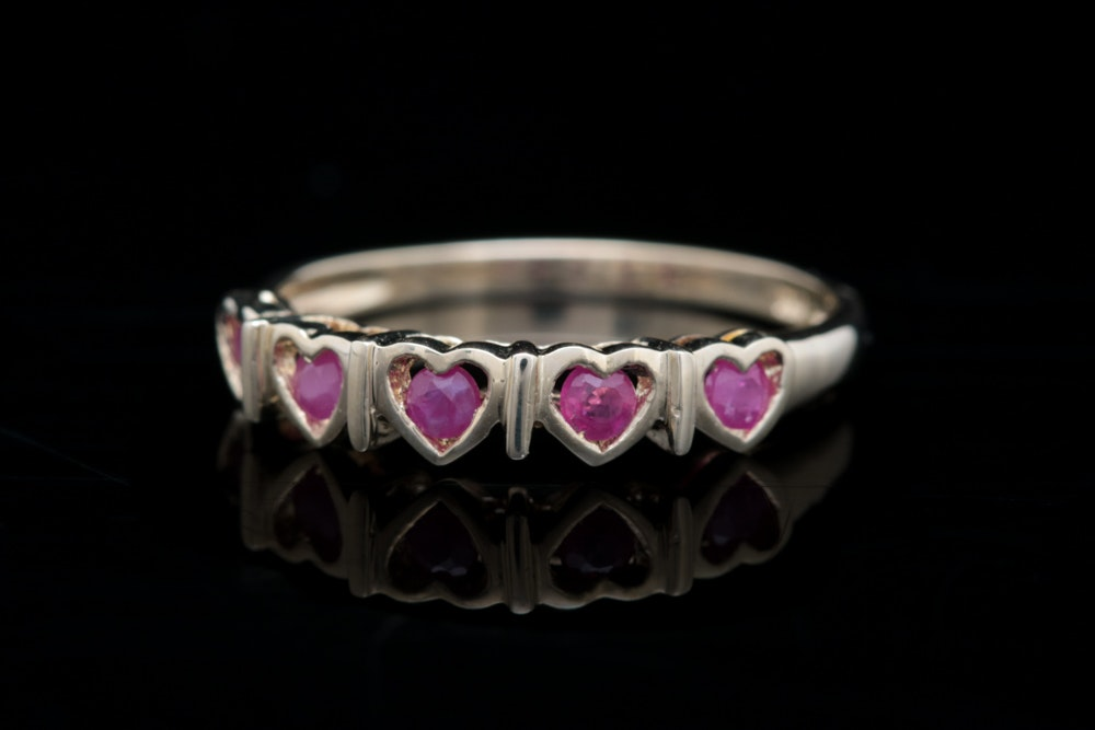 10K Yellow Gold and Ruby Heart Ring EBTH