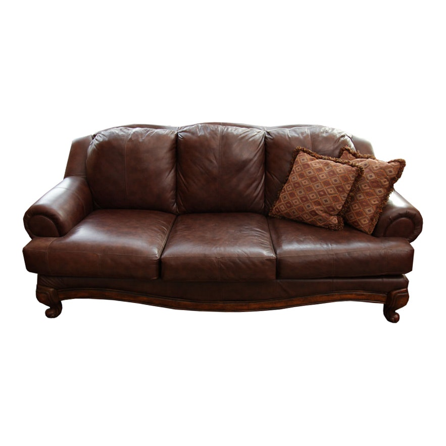 Traditional Style Leather Sofa
